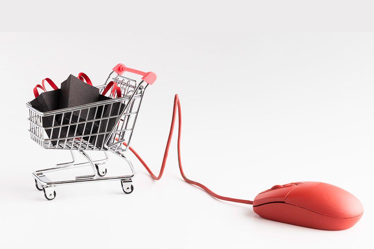 carrello della spesa attaccato ad un mouse, metafora e-commerce per baffelli